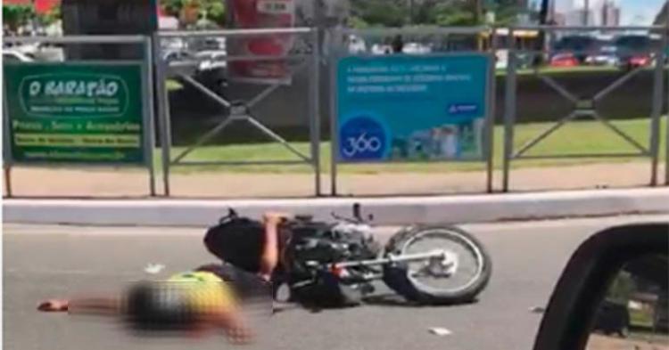 O suspeito foi encaminhado ao hospital, mas não resistiu e morreu - Foto: Cidadão Repórter | Via Whatsapp