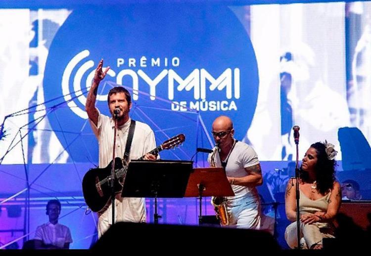 Junto com Alice Caymmi, Saulo foi uma das participações especiais da noite - Foto: Divulgação
