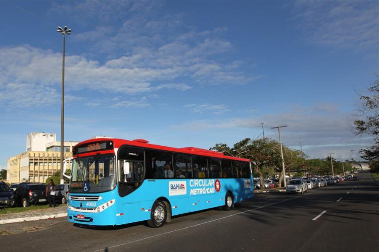 Os novos ônibus têm ar-condicionado e internet grátis para passageiros - Foto: Carol Garcia | GOVBA