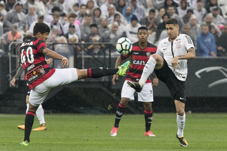 Organizado na marcação e nos contra-ataques, o Vitória acabou com a invencibilidade do Timão - Foto: Daniel Augusto Jr. l Ag. Corinthians