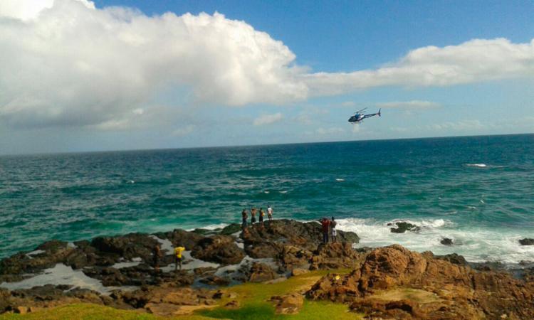 Jovem voltou ao mar para ajudar amiga que se afogava e foi levado pelas ondas - Foto: Divulgação   SSP-BA