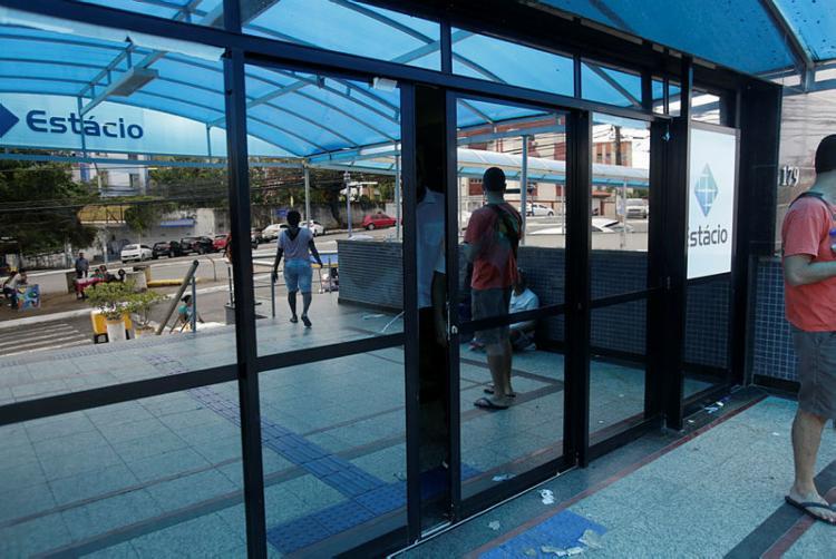 A Estácio foi um dos 32 locais da capital baiana que receberam as provas para o concurso público - Foto: Adilton Venegeroles | Ag. A TARDE