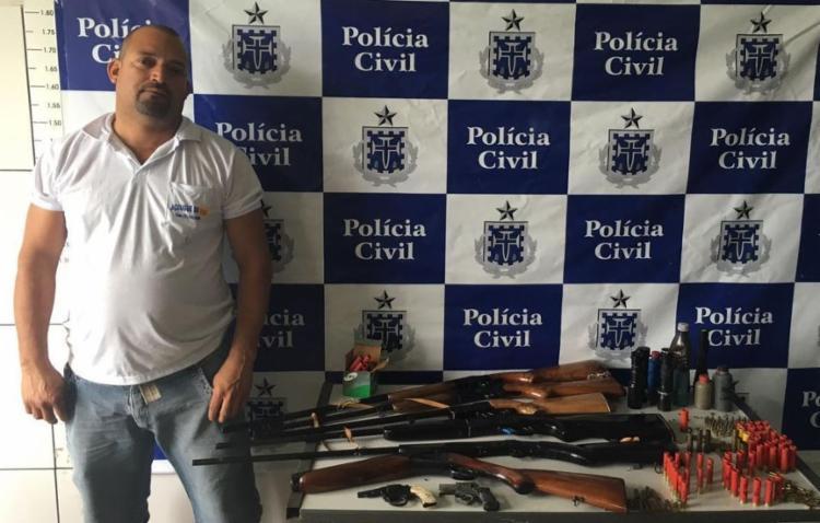 'Van' foi autuado em flagrante por posse de armas - Foto: Divulgação | Polícia Civil