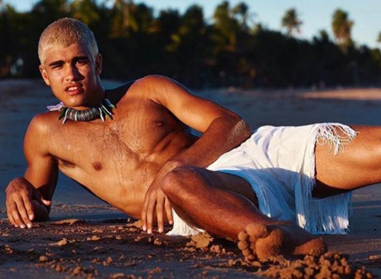 O jovem, de 19 anos, nasceu na Bahia e hoje mora no Morro do Vidigal - Foto: Reprodução | Instagram