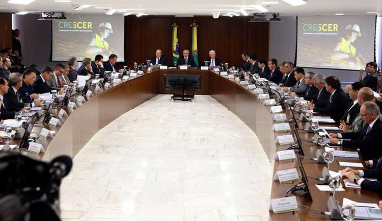 O governo espera arrecadar cerca de R$ 44 bilhões ao longo dos anos de vigência dos contratos - Foto: Valter Campanato l Agência Brasil