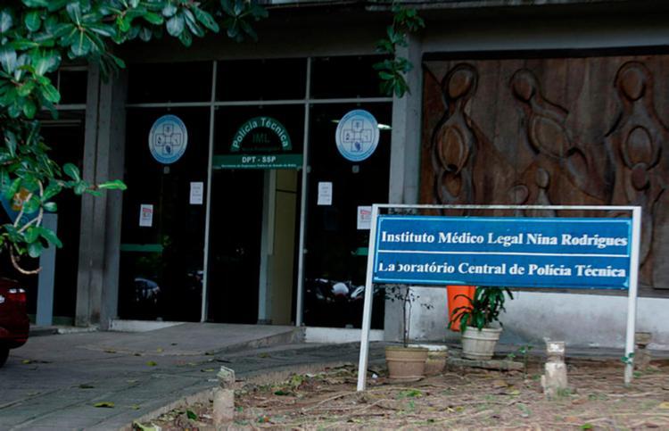 A previsão é de que as demais vítimas também sejam encaminhadas para o IML de Salvador - Foto: Joá Souza | Ag. A TARDE
