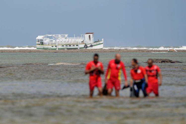 Lancha tinha saído da Ilha de Mar grande e seguia para Salvador - Foto: Raul Spinassé   Ag. A TARDE