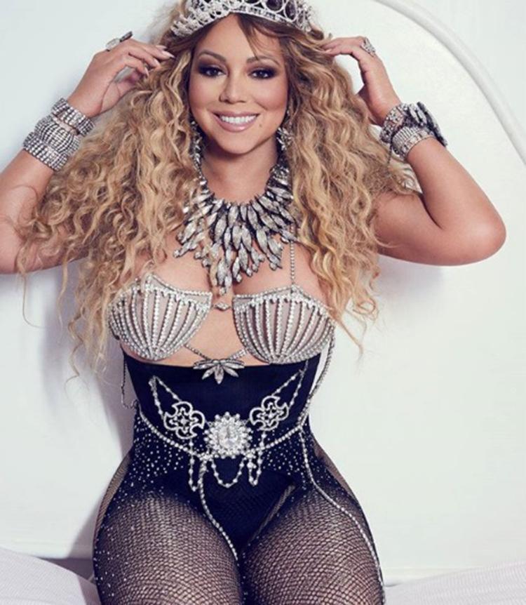 A cantora Mariah Carey é protagonista da recente edição da revista