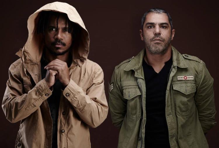 Alexandre Carlo, vocalista, e Luís Mauricio, baixista, da banda Natiruts - Foto: Divulgação