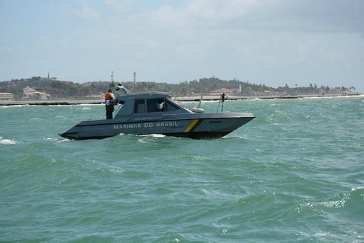 A Marinha realiza buscas em um raio de 10km na baía - Foto: Divulgação | Marinha