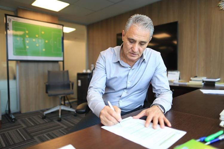 Tite já atua como técnico há 27 anos - Foto: Lucas Figueiredo | CBF