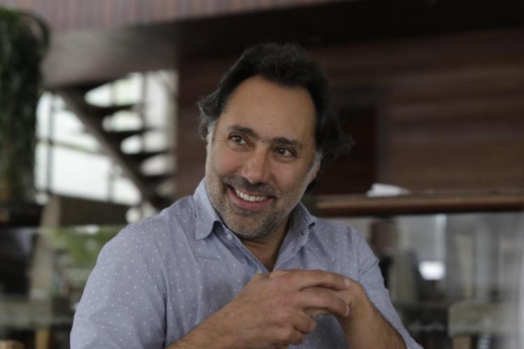 O enólogo recebeu a Muito para uma entrevista exclusiva durante almoço no restaurante Lafayette - Foto: Xando Pereira / Ag. A Tarde