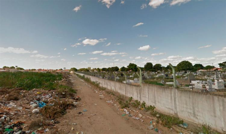 O crime aconteceu na rua Visconde de Cairu, atrás do Cemitério Jardim da Saudade - Foto: Reprodução | Google Maps