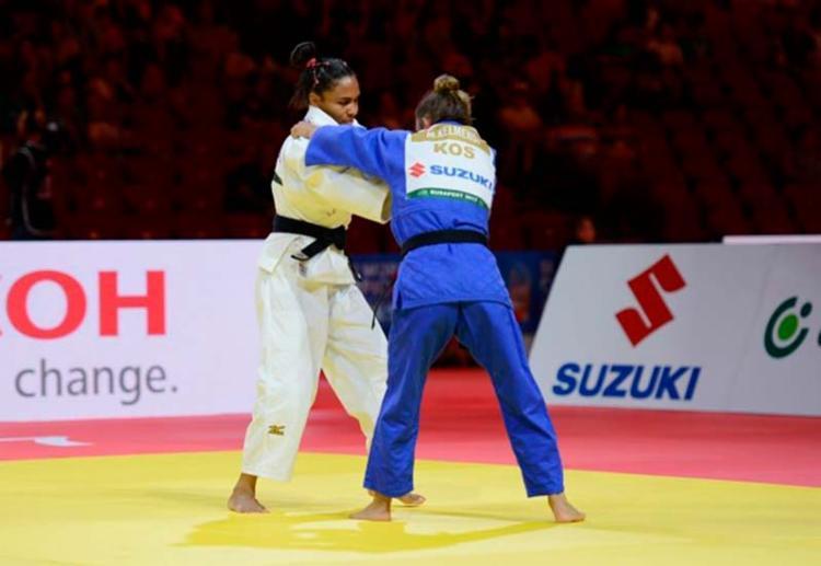 Brasileira venceu Majlinda Kelmendi, do Kosovo, por um wazari - Foto: Paulo Pinto | CBJ