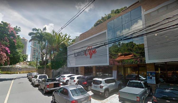 Três homens invadiram o local e realizaram o crime - Foto: Reprodução | Google Maps