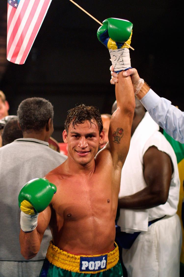 O ex-atleta participará de aula com jovens da comunidade que praticam boxe - Foto: Reprodução