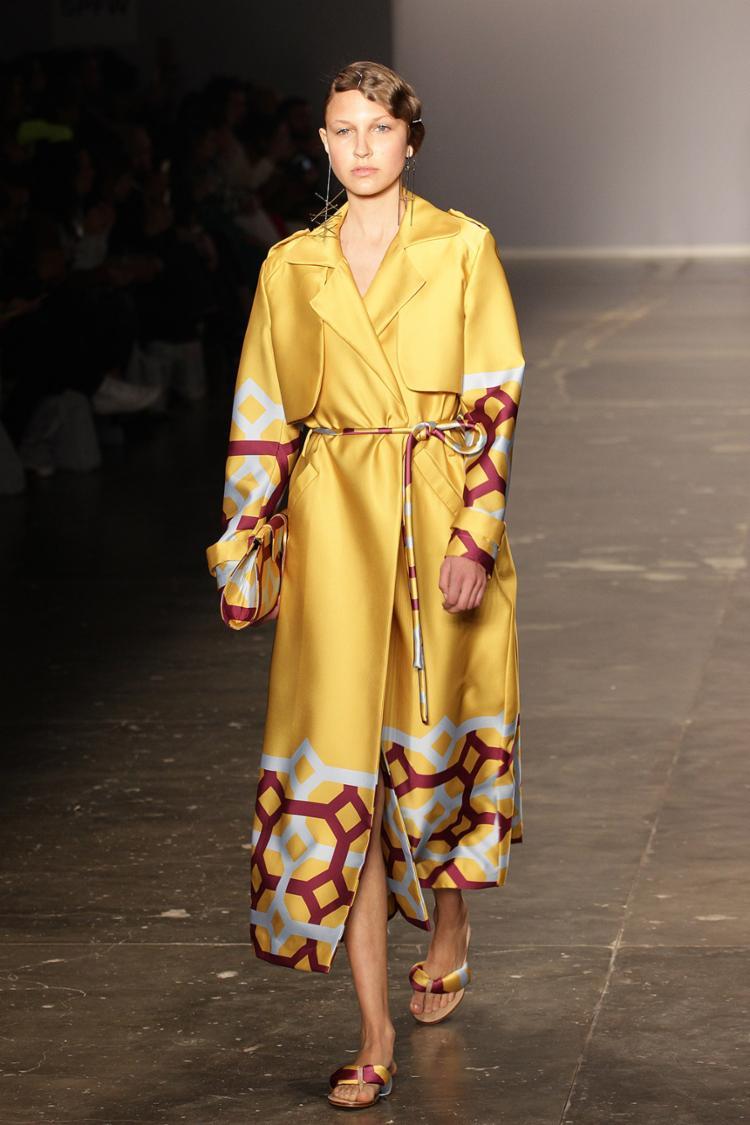 O estilista Luiz Claudio abusou do amarelo, azul, verde e lilás, além de quadrados grandes e desconexos - Foto: Divulgação