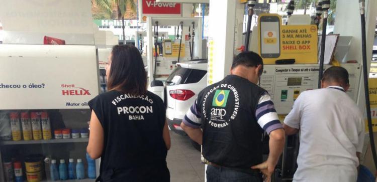 Fiscais identificaram fraude em algumas bombas de combustíveis - Foto: Divulgação | Polícia Civil