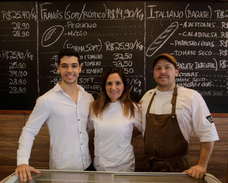 O empreendedor Danilo Noya, a Chef Flávia Baquerizo e o chef Richard James - Foto: Xando Pereira | Ag. A TARDE