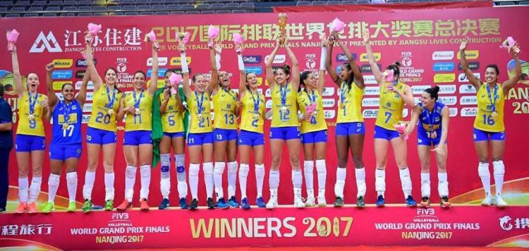 Com a vitória, a Seleção Brasileira defende o título conquistado em 2016 - Foto: Divulgação | FIVB