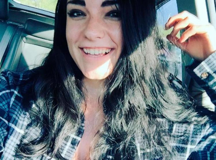 Em seu perfil do Tinder, Madi disse que enviaria a foto íntima não solicitada à mãe do assediador - Foto: Reprodução | Instagram