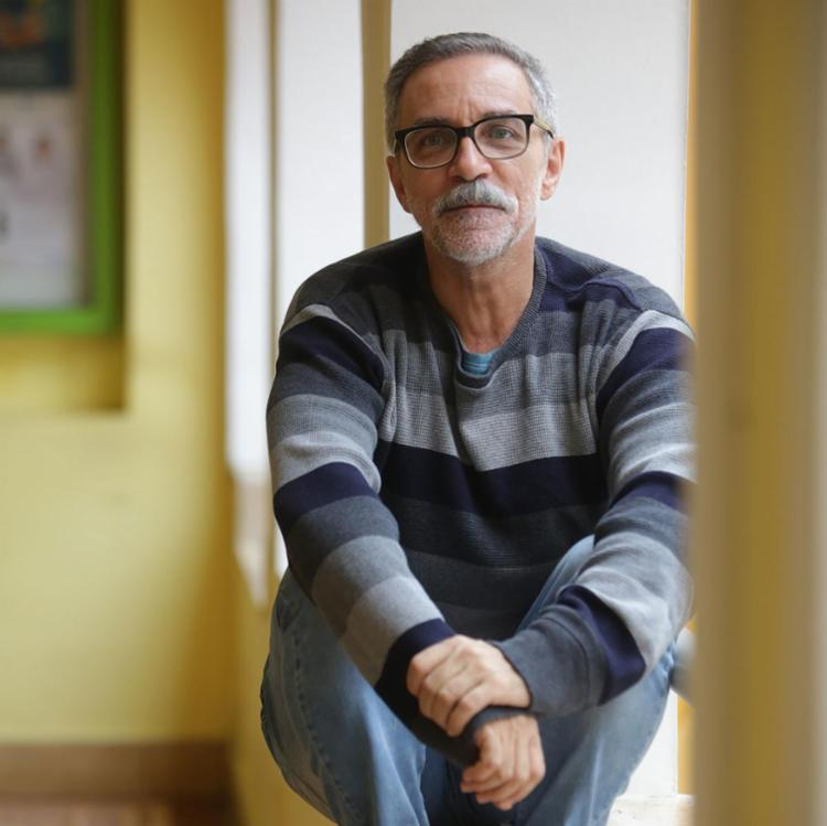 Ator tem atuado em diversos espetáculos teatrais, com grandes diretores e atores da cidade - Foto: Joá Souza | Ag. A TARDE