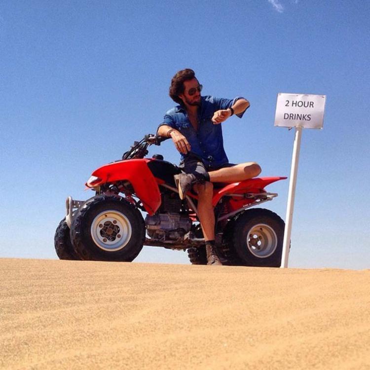 Zellfie em uma viagem pela cidade de Swakopmund, na Namíbia - Foto: Reprodução | Facebook