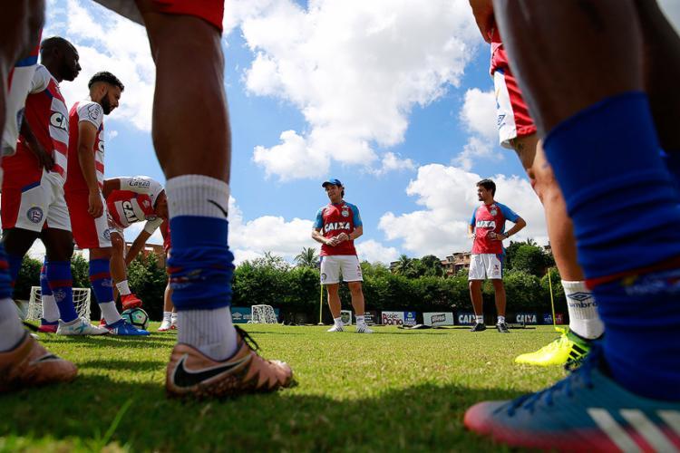 Preto já comandou o Bahia em dois jogos, com um triunfo e um empate - Foto: Felipe Oliveira l EC Bahia