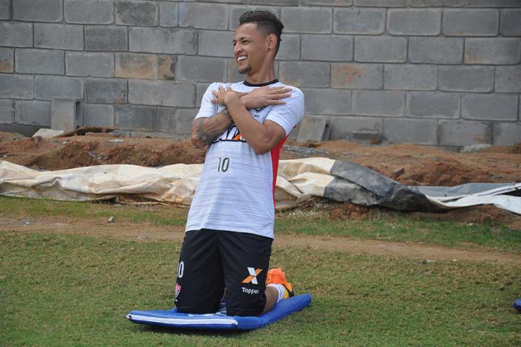 Além de artilheiro, Neilton é também o segundo do time que mais distribuiu assistências: três - Foto: Maurícia da Matta l EC Vitória