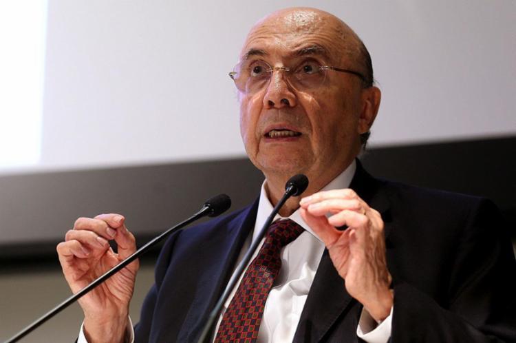 Meirelles tem atuado como porta-voz da reforma, mostrando a projeção do rombo nas contas públicas - Foto: Wilson Dias | Agência Brasil