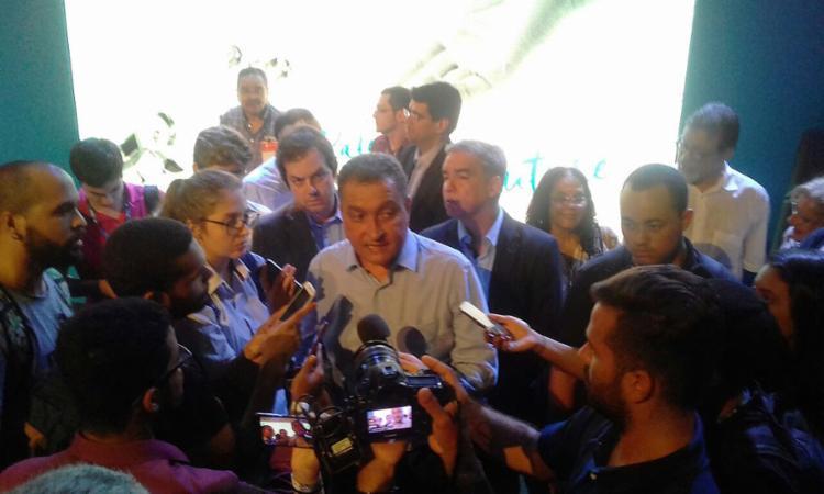 Governador fez o percurso até o estádio de metrô, passando pela 'Estação do Futuro' - Foto: Yuri Pastori l Ag. A TARDE