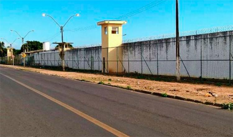 Os detentos só poderão sair do complexo mediante o uso das tornozeleiras eletrônicas - Foto: Aldo Matos | Reprodução | Acorda Cidade