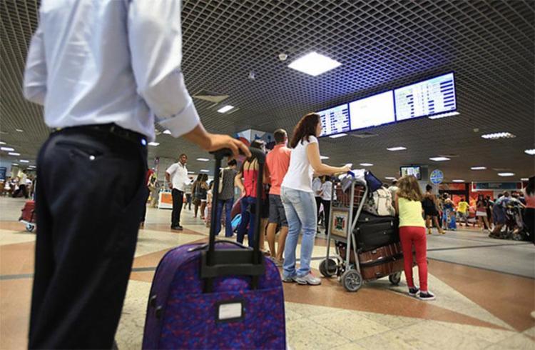 Preço de passagem aérea caiu 15,42% - Foto: Joá Souza l Ag. A TARDE l 3.2.2016