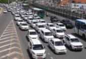 Taxistas fazem carreata contra aplicativos de transporte em Salvador | Foto: