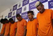 Suspeitos de tráfico capturados no Nordeste de Amaralina são apresentados pela polícia | Foto: