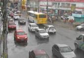 Chuva causa lentidão no trânsito em vários pontos de Salvador | Foto: