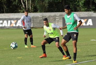 Ex-São Paulo, Neilton promete dar informações a Mancini sobre o rival