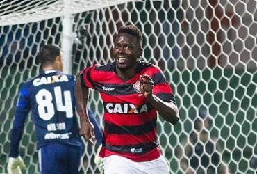 Zagueiro Kanu é 'amuleto' do Vitória na temporada