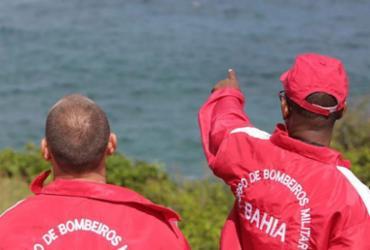 Bombeiros retomam busca por jovem que se afogou em Amaralina