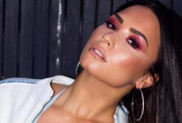 'Eu amo quem eu amo', diz Demi Lovato após especulações sobre bissexualidade