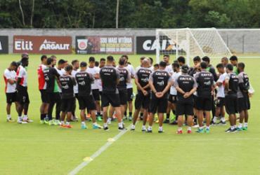 Mancini chama jogadores para conversar após derrota para São Paulo