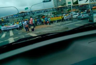 Associados ao transporte complementar fazem carreata em Salvador