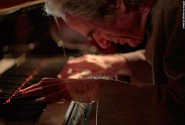 Sem diálogos, O Piano que Conversa traz abordagem diferenciada para documentários musicais