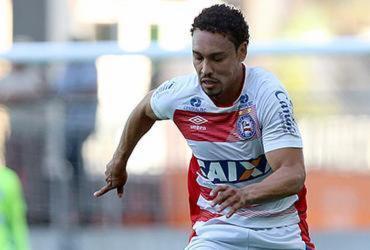 Preto Casagrande faz treino tático na Arena Fonte Nova