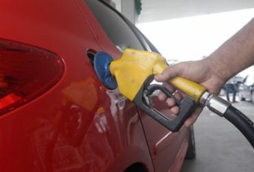 Preço da gasolina sobe na Bahia e outros 16 estados, diz ANP