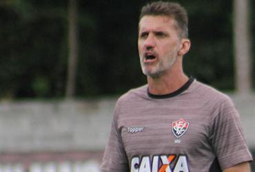 Vitória treina contra-ataques antes de enfrentar o Botafogo