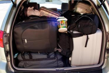 O perigo dos objetos soltos no banco traseiro