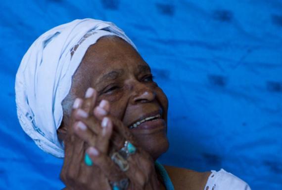 Aos 92 anos, ialorixá Mãe Stella lança canal no YouTube