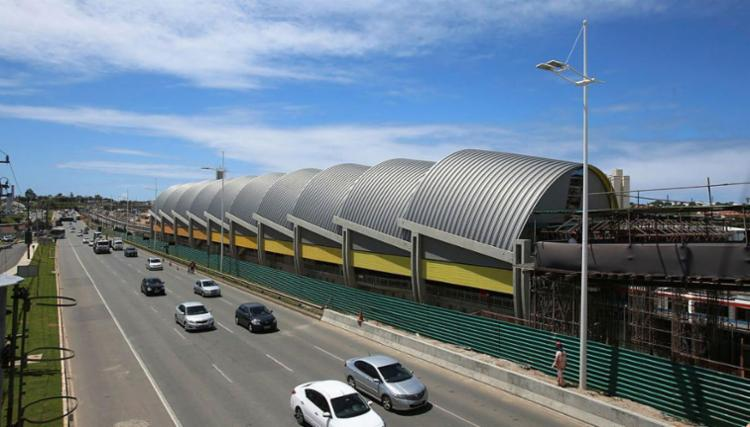 Novas estações na avenida Paralela entraram em operação - Foto: Xando Pereira   Ag. A TARDE   11.09.2010