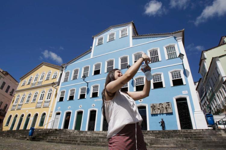 Jovens como Giovana Corvino, 20, são o público-alvo dos projetos elaborados pela nova Diretoria - Foto: Xando Pereira | Ag. A TARDE